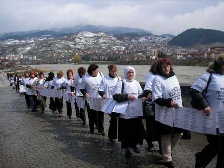 Walking across the Mehmed-pasa Sokolovic Bridge
